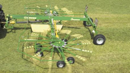 Swadro TC ir TC Plus dviejų rotorių formuojantys centrinę sąvalką grėbliai